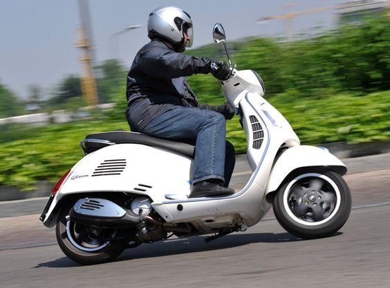 vespa   Testbericht: Vespa GTS 125 - 1000ps.at