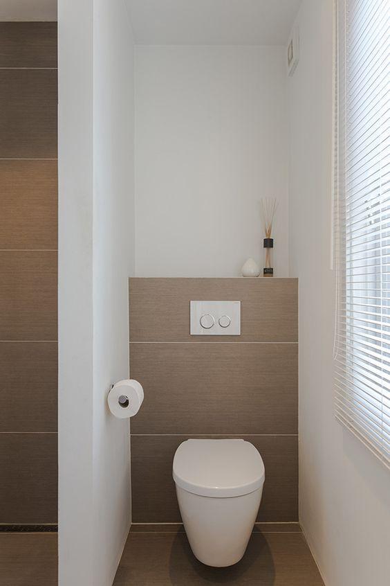 Toilet mooie tegelkleur - V.: