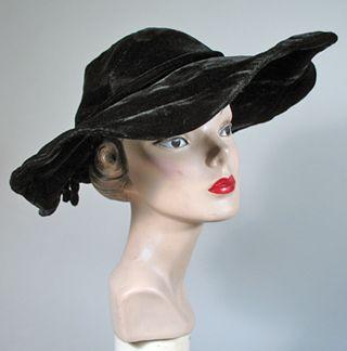 1950s Vintage Black Velvet Wide Brim Picture Hat