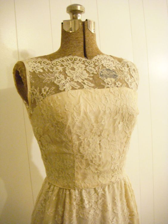 ON HOLD- Vintage 1960s Lace Cocktail Wiggle Dress Cream With Jacket Szie Small XS Petite Vintage Wedding by TheHunterGatherer on Etsy https://www.etsy.com/listing/112957367/on-hold-vintage-1960s-lace-cocktail