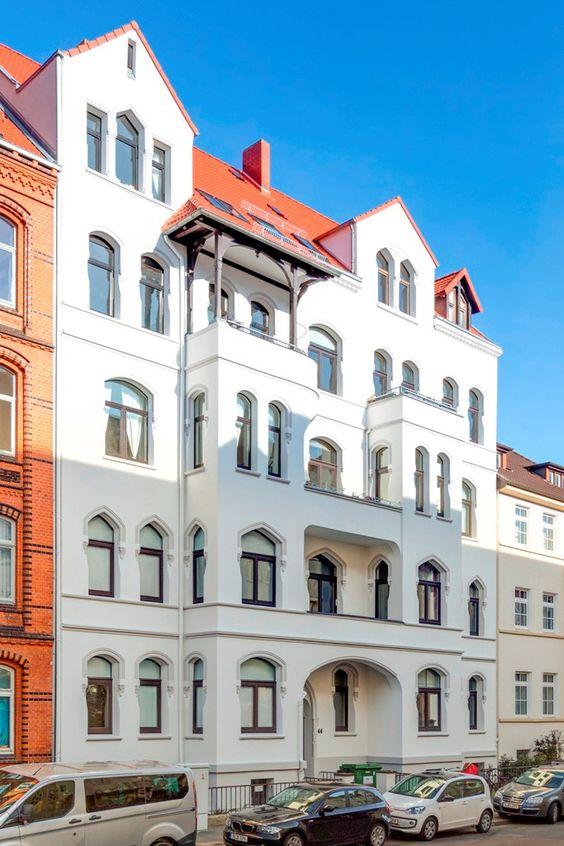 Sanierte Stilfassade Hannover - Fassaden sanieren, mit Liebe gestalten und nachhaltig renovieren – das macht uns große Freude.