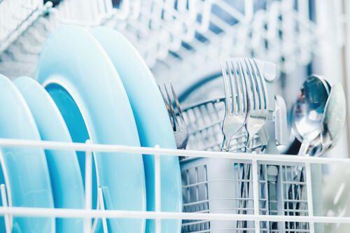 水筒は食洗機で洗えないって本当 その理由と正しい洗い方 暮らしの知識 オリーブオイルをひとまわし 水筒 洗 家事