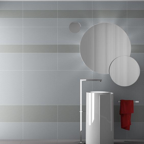Piastrelle da rivestimento bagno 60x120 e 15x120 grigio for Piastrelle 80x80