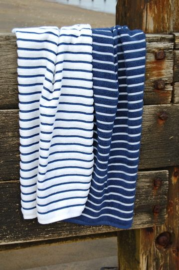 Towels Nautical Bathrooms And Striped Towels On Pinterest