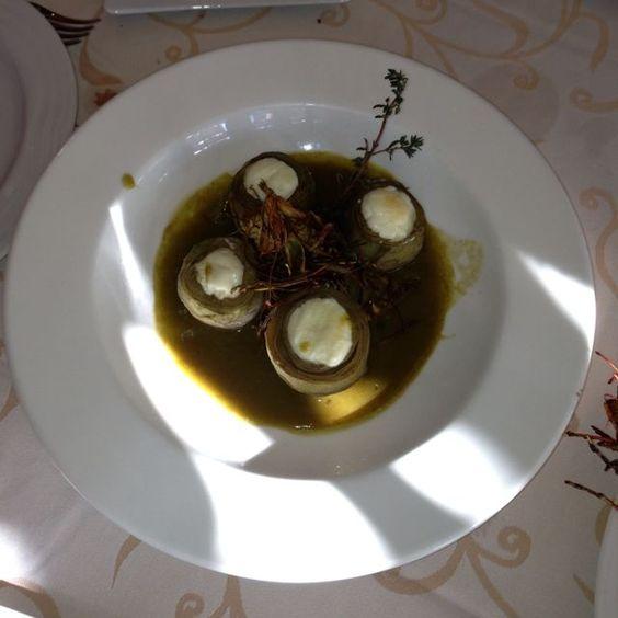 Alcachofas y el Bacalao en Barcelona.  Muy, muy Buenas por Moises Hernandez Vallve, Coach en EntreCoach  http://www.onfan.com/es/especialidades/la-palma-de-cervello/amarena-restaurante/alcachofas-y-el-bacalao?utm_source=pinterest&utm_medium=web&utm_campaign=referal