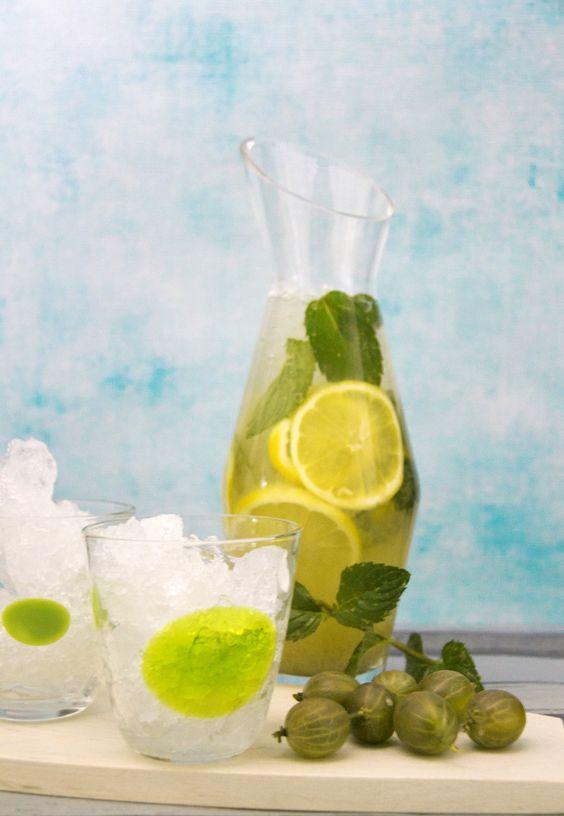 Stachelbeeren-Limonade ohne Zucker - http://www.ichmachsmireinfach.de/eine-erfrischung-ganz-ohne-zucker/