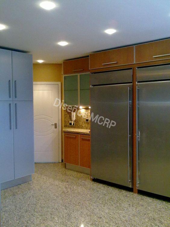 Cocina de diseño. acabado laminado decorativo. tope de granito ...