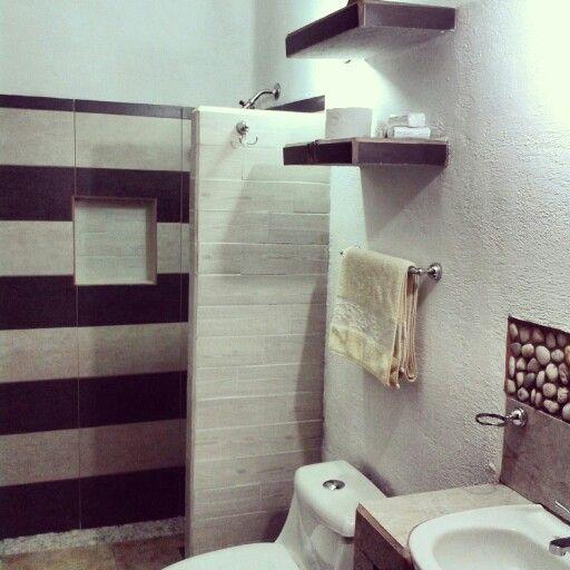 Ba o r stico moderno con 5 tipos de piso cer mico murete for Piso rustico moderno