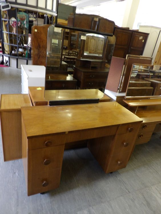 Dressing Table £65 (matching Bedside & Chest Of Drawers Available)