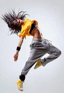 A Zumba é uma aula de dança misturada com ginástica Uma aula de uma hora queima entre 400 e 1.000 calorias.