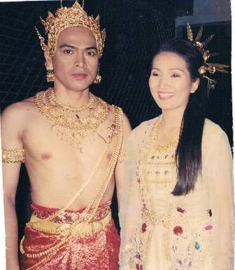 Thai Bride And Groom 106
