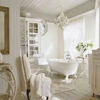 wow...i would love to have a bubble bath in there haha