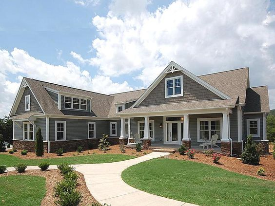 I'm a sucker for one level homes w/ a bonus room over the garage.  LOVE this builder.  one day!