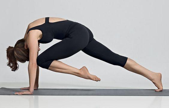 Barriga lisinha com sete movimentos da ioga