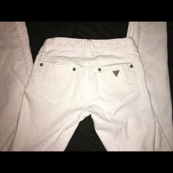 SALE guess jeans  There still in decent shape, very comfy and nice white color  Guess Jeans Straight Leg