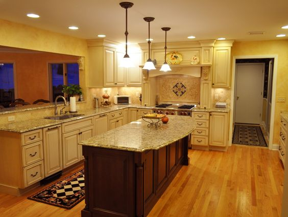 Full view of l shape kitchen with island and breakfast for L shaped breakfast bar