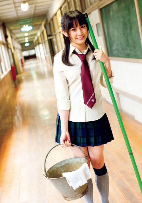 掃除当番の奥仲麻琴