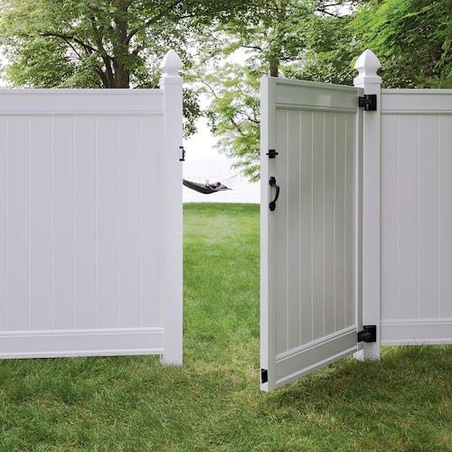 Freedom Everton 6 Ft X 4 Ft White Vinyl Fence Gate Lowes Com White Vinyl Fence Vinyl Fence Vinyl Gates