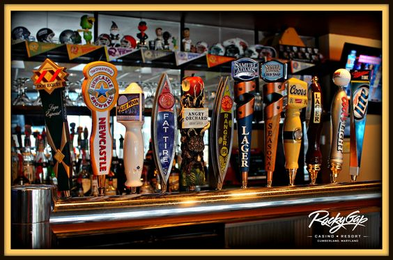 Choose from 12 Beers on Tap at Signature's Bar & Grill! #digsigs