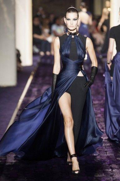A semana de Alta-Costura já começou, veja a coleção completa da Versace Alta-Costura Inverno 2015>> http://noticiasdemoda.com.br/desfiles/versace-alta-costura-inverno-2015.html