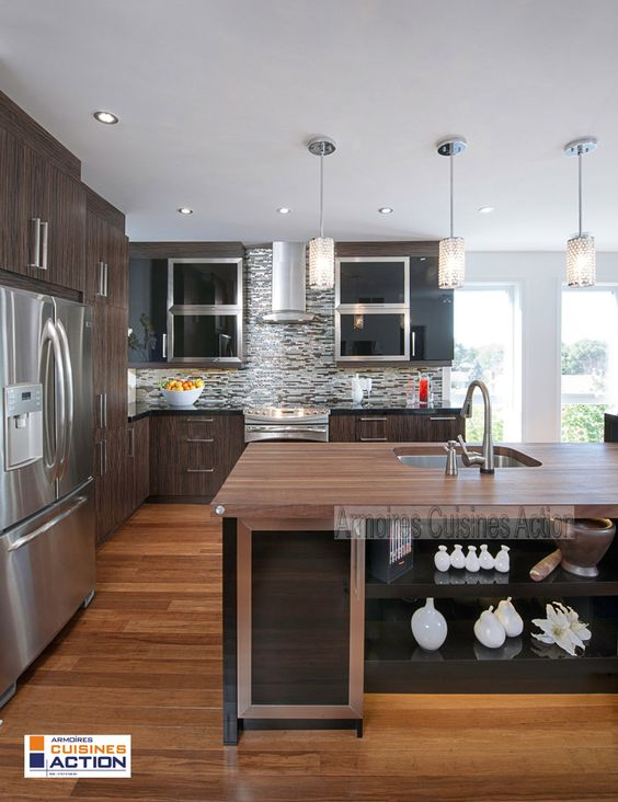 Une cuisine en placage de bois et en thermoplastique l for Placage cuisine