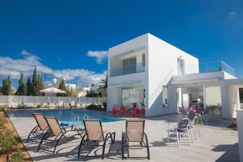 Greco Villas Protaras Featuring an outdoor pool, Greco Villas is set in Protaras. The property is just 900 metres from Sunrise Beach while Kalamies Beach is 2.6 km away. Free WiFi is available.