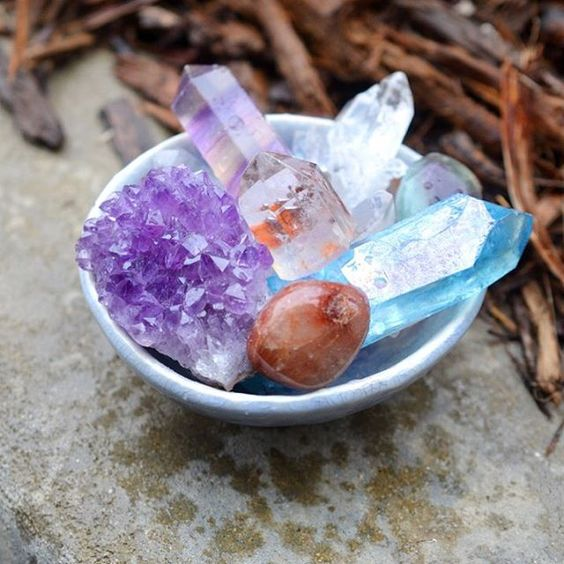 Our #crystals are enjoying a refreshing bath on this #rainyday! #crystalcleansing #crystalcleanse