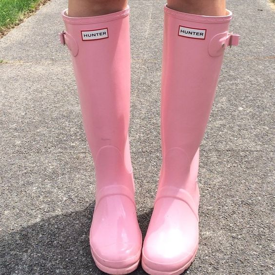 Bubble gum pink hunter rain boots