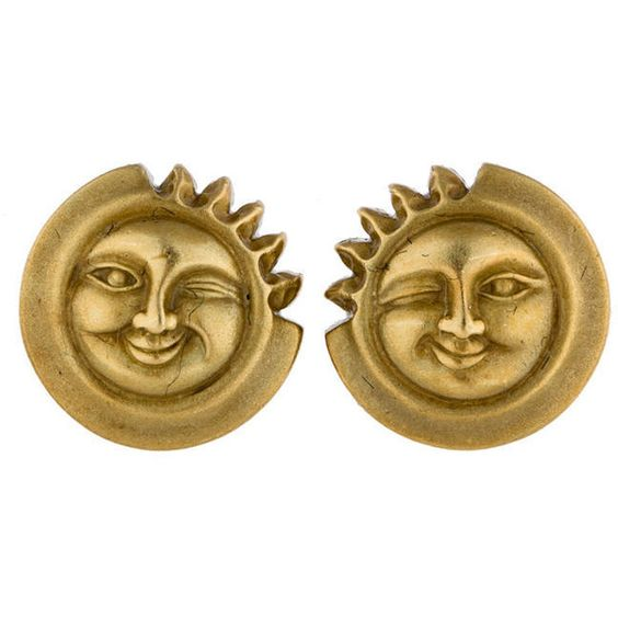 Pre-owned Barry Kieselstein-Cord Winking Sun Earrings ($995) ❤ liked on Polyvore featuring jewelry, earrings, pre owned jewelry, 18 karat gold stud earrings, 18 karat gold earrings, round earrings and earring jewelry