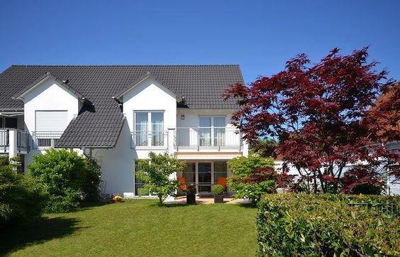 Traumhaft Wohnen In Langenargen Am Bodensee Eine Seltene Gelegenheit Bietet Sich Hier Nur Rund 300 M Vom Bodensee Style At Home Wohnen Immobilie Verkaufen