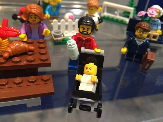 LEGO Baby Minifigure Fun in the Park City People Pack Set