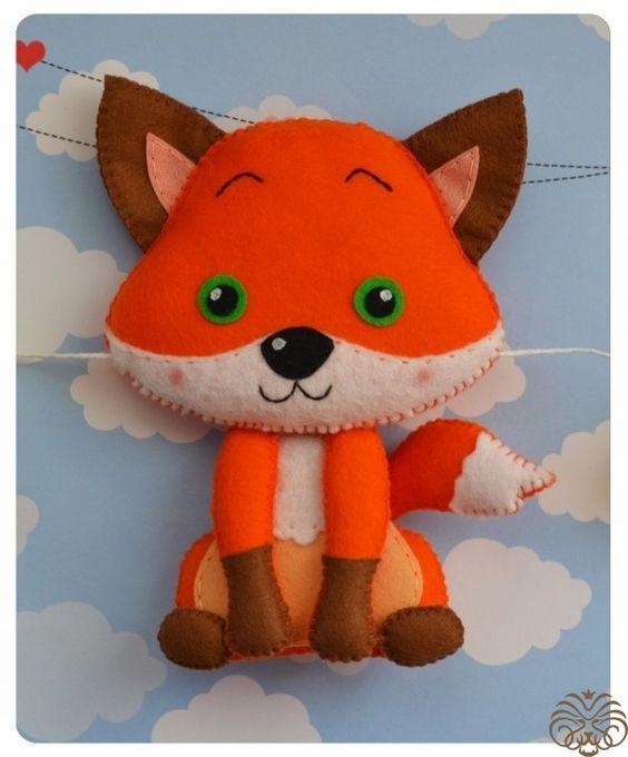 Рыжая зеленоглазая лисичка из фетра Привет, друзья!Сегодня вместе с вами мы будем делать вот такую фетровую проказницу - лисичку!Для пошива нашей фигу...