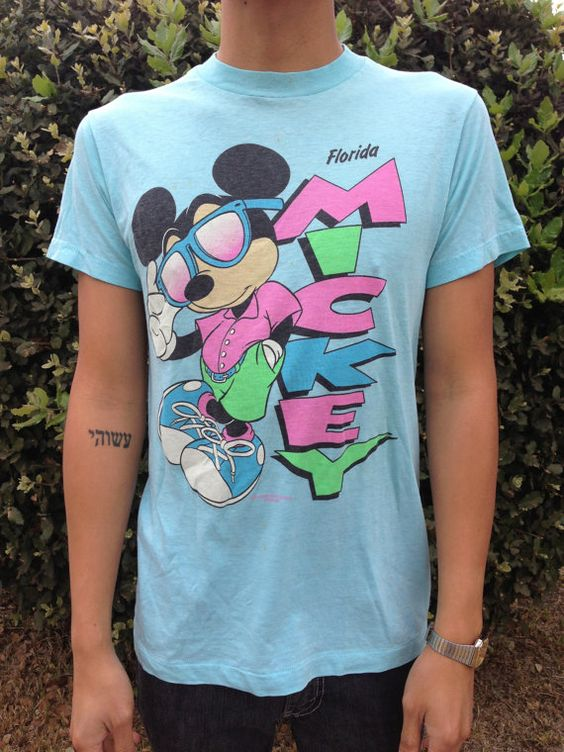 Ought Vintage mickey t shirt These included