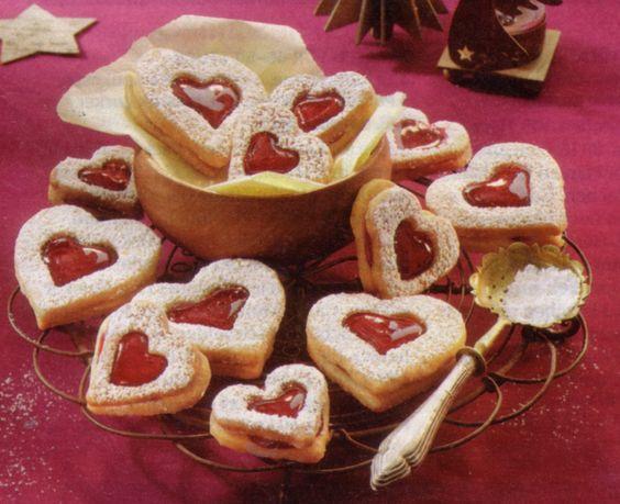 http://mybestgermanrecipes.com/german-christmas-cookies-linzer-hearts/ German Christmas Cookies: Linzer Hearts
