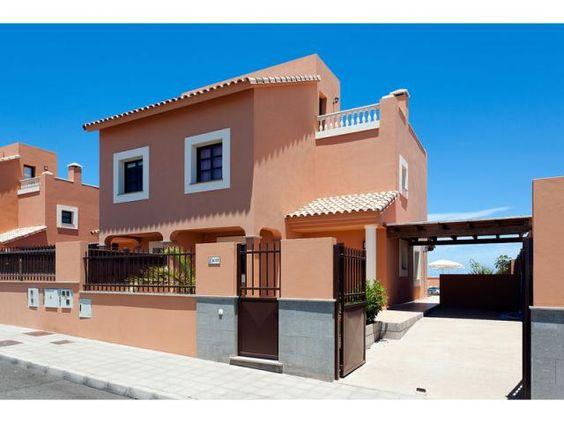 Villa Mirador de Lobos - 3 Bed Villa for rent in Corralejo Fuerteventura sleeps up to 6 from £913 / €1088 a week