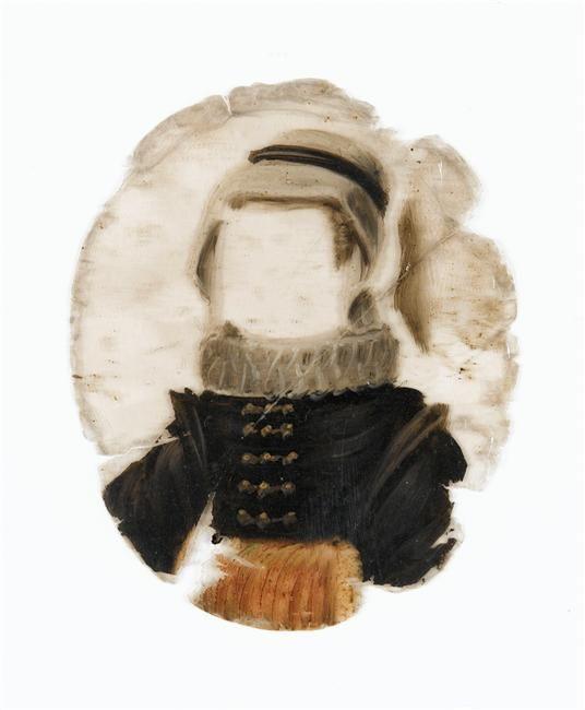 Portrait à transformation ECL 1591 -Mica N° 12: costume de femme en robe noire, fraise beige et manchon de fourrure. Réunion des Musées Nationaux-Grand Palais -
