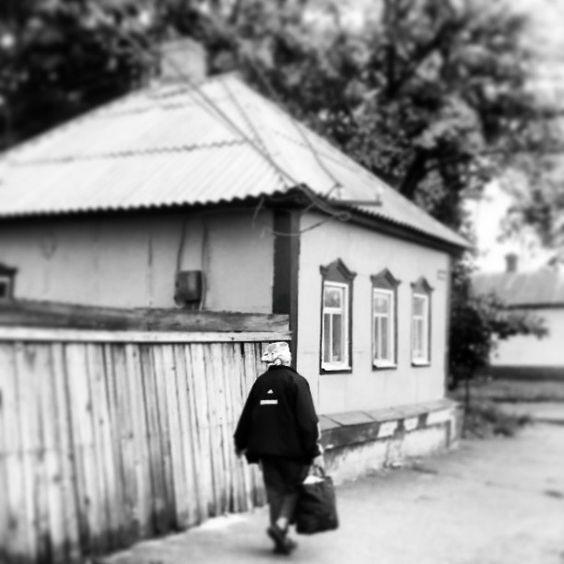 Strong ukrainian woman @ village Trostjanez  More: http://www.mein-ukraine-blog.de/2013/06/18/ukraine-blog-goes-instagram/