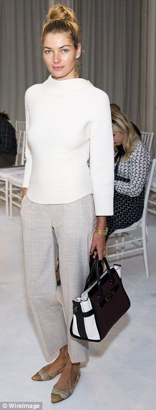 White here, white now! Supermodel Jessica Hart goes almost makeup free at New York Fashion Week in a stunningly understated all-white ensemble | Daily Mail Online