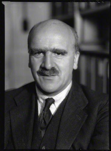 John Burdon Sanderson Haldane est un généticien britannique, né le 5 novembre 1892 à Oxford et mort le 1er décembre 1964 à Bhubaneswar en Inde.