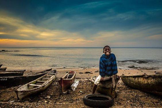 Fihserboy smile ,  Morro Peixe, São Tomé   photography - bernardo conde 2014