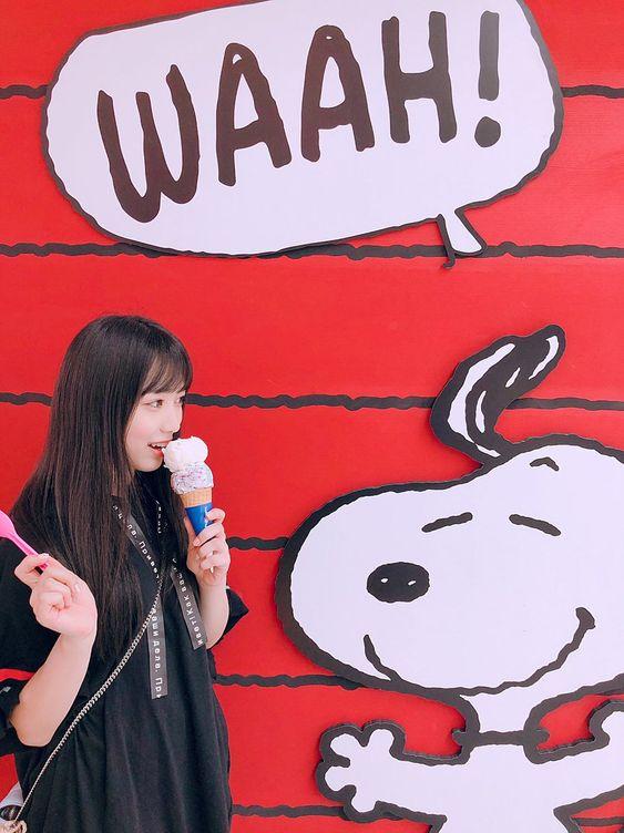 アイスを食べている矢吹奈子