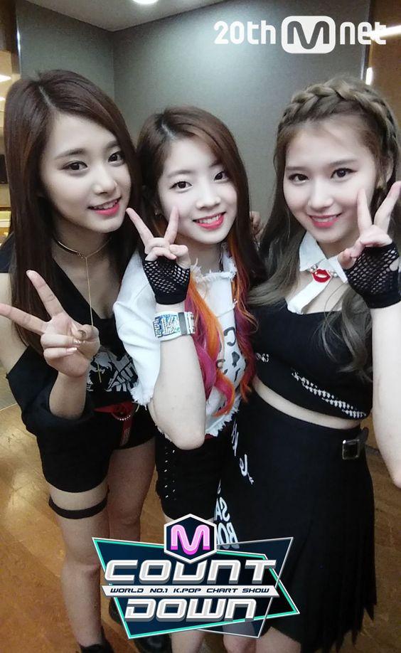 Tzuyu, Dahyun, and Sana on M Countdown!!! ❤️