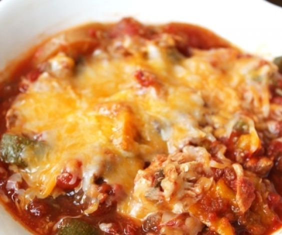 Crockpot Zucchini Chicken Parmesan - A dump and go crockpot dinner that's veggie-packed and delicious. #chowstalker