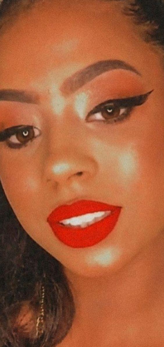Maquiagem para Negras 2022: Tendências e Dicas