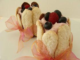 . For the Love of Food, Travel and Wine: Mini Charlotte de Frutos del Bosque para una amiga.....Feliz Cumpleaños!!