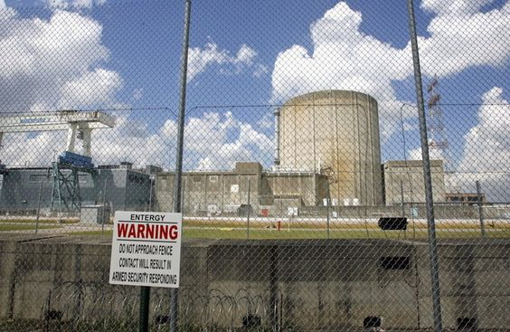TheNuclear Regulatory Commission announced Tuesday (Sept. 8) that it is halting a pilot study of cancer risks near nuclear power plants and other facilities. The commission said thestudy, which was to be conducted by the National Academy of Sciences,would be...