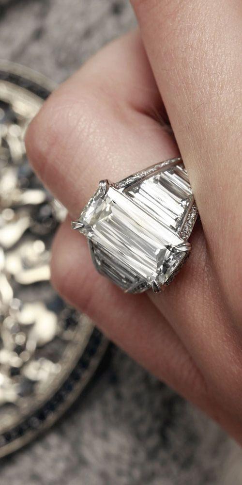 Baguette cut diamond Engagement ring