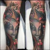 Medusa Tattoo Unterschenkel