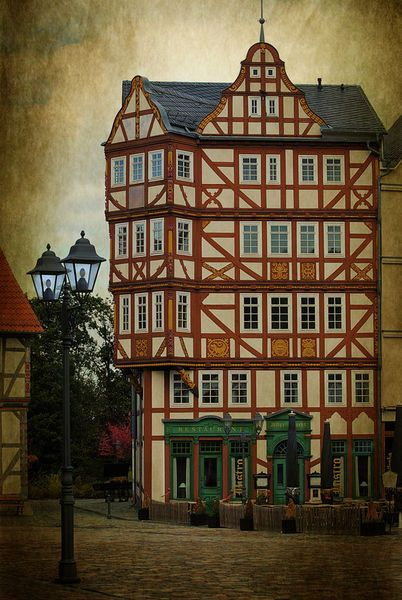 'Altstadt Idylle' von Elke Balzen bei artflakes.com als Poster oder Kunstdruck $18.03