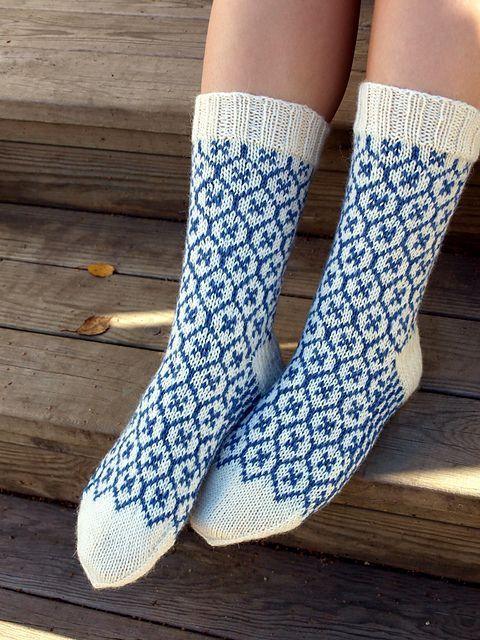 Ravelry: Piikupikkuinens Provence hand knitted ...